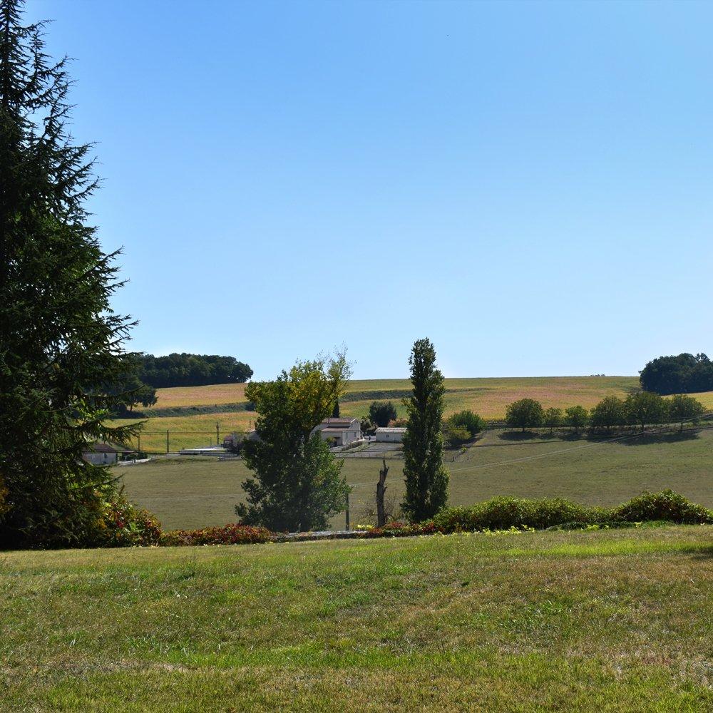 The grounds at Manoir Beaulieu